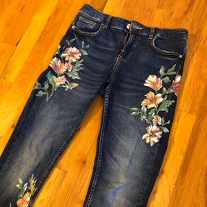 Zara painted jeans 🌸